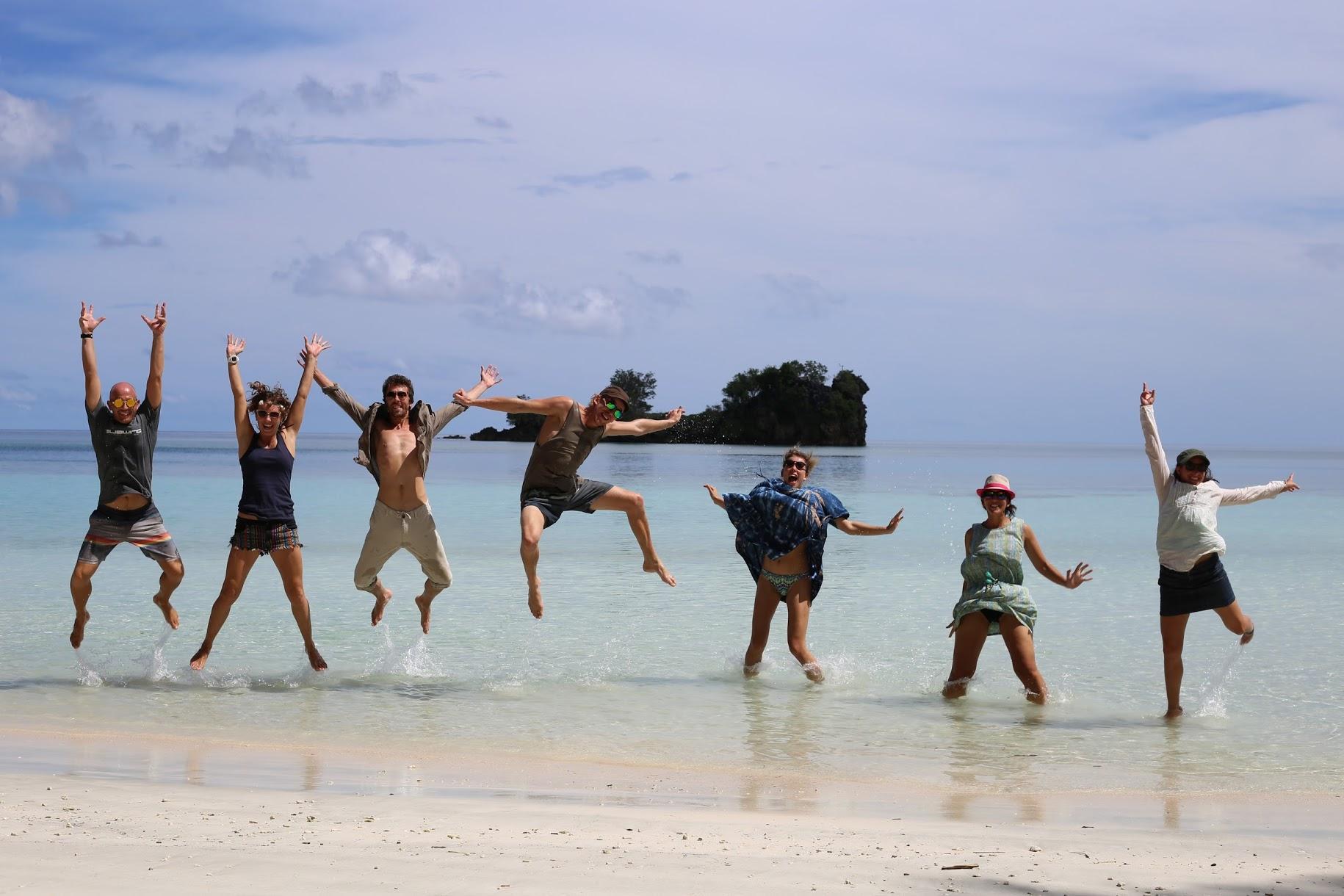 Liveaboard Raja Ampat to Maluku / Visit Baseftin